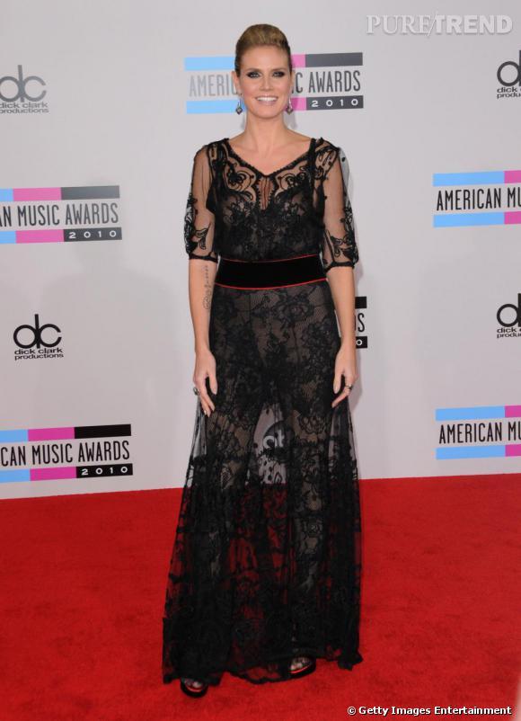 Romantico-sexy sur tapis rouge, Heidi Klum n'oublie pas que sa plastique est son principal atout.