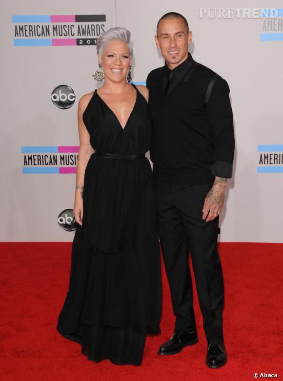 Pink prend de l'âge aux côtés de Carey Hart, son mari.
