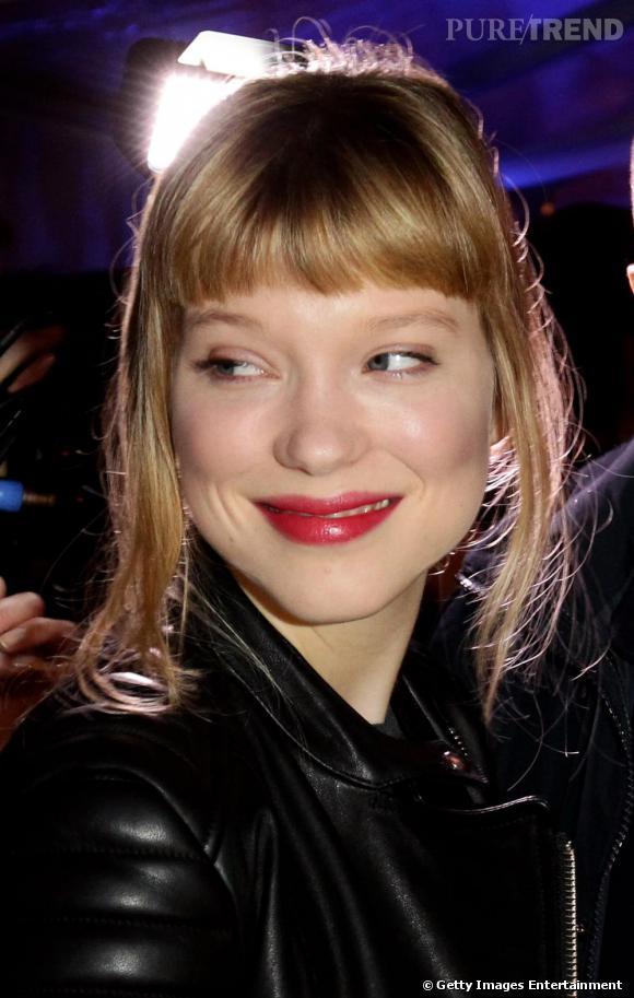 Nouvelle coupe de cheveux pour l 39 actrice qui affiche for Lea michele coupe de cheveux