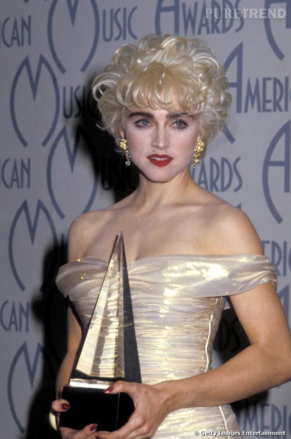 Le flop make-up  : si Madonna voulait nous faire croire qu'elle était blonde naturellement c'est raté !