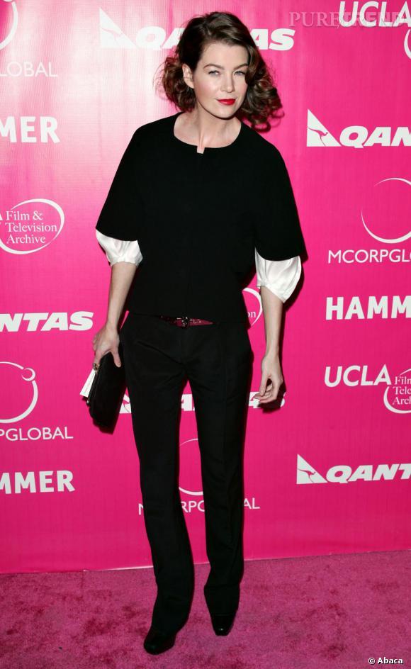 2006 : Bouche rouge et crinière crantée, Ellen Pompeo parie sur le rétro mais toujours avec l'option séduction.
