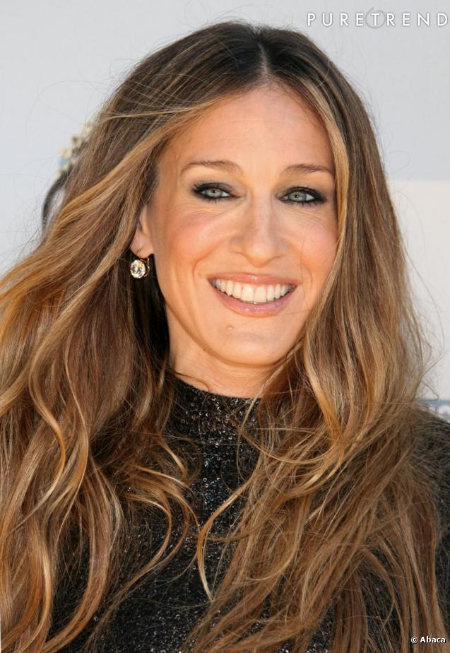 Le top make up le visage lumineux l 39 actrice opte pour un maquillage prononc autour des yeux - Actrice yeux bleus ...