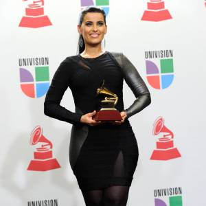 Nelly Furtado et son costume Orangina...