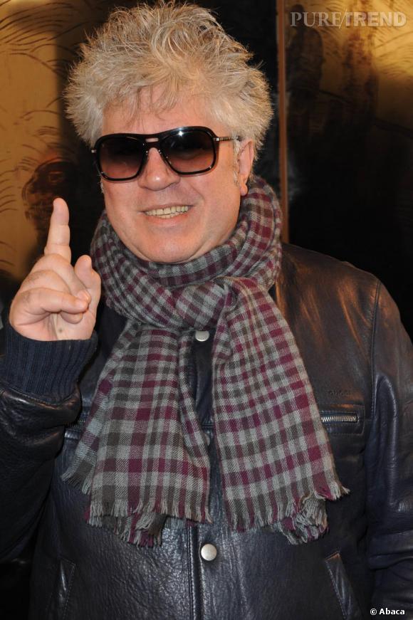 Pedro Almodovar a créé l'évènement, en surprenant une nouvelle fois par sa présence chez Chanel. Le réalisateur était également aux premiers rangs des shows Dior et Armani Privé.