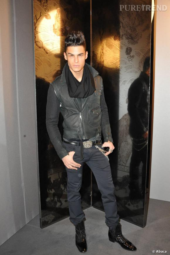 Bien sûr Baptise Giabiconi était présent, motard chic pour Chanel.
