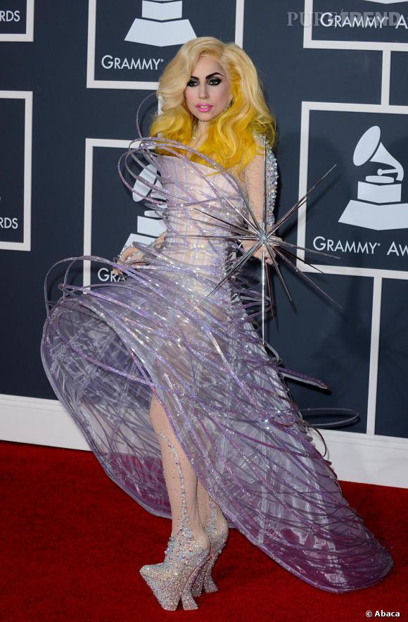 La copie  : Lady Gaga aux Grammy awards en 2010.