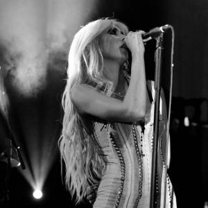 La copie : Taylor Momsen en 2010.