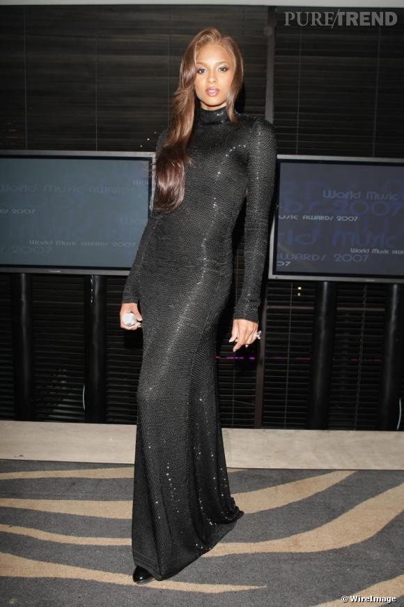 La copie  : Ciara en Novembre 2007.