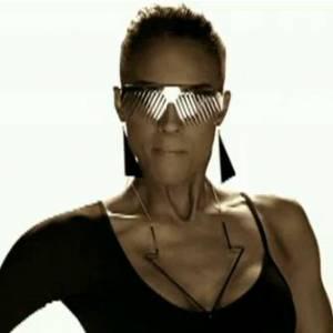 La copie : Ciara dans le clip Love Sex Magic en 2009.