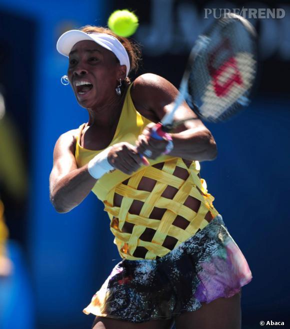 À l'Open d'Australie, au début du mois, Venus Williams nous a fait mal aux yeux. Top jaune franchement ajouré, elle détone.