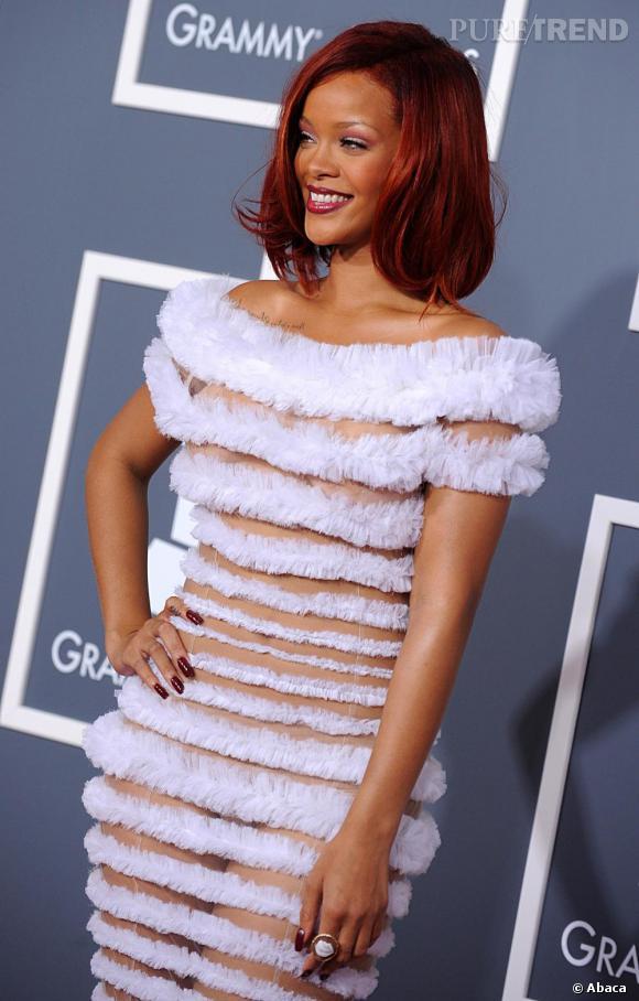 Rihanna sur le red carpet des Grammy Awards 2011, à Los Angeles.