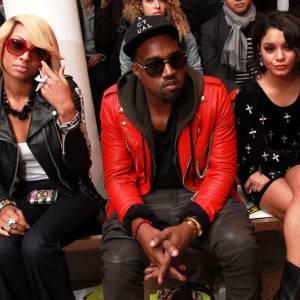 Keri Hilson et Vanessa Hudgens décidement de tous les front rows, entourant Kanye West chez Jeremy Scott.