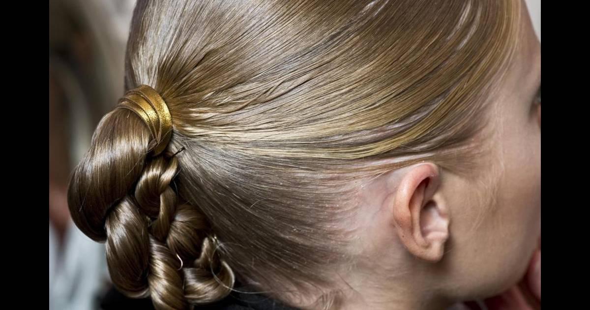 Zoom sur le chignon-natte Défilé Gucci - Puretrend