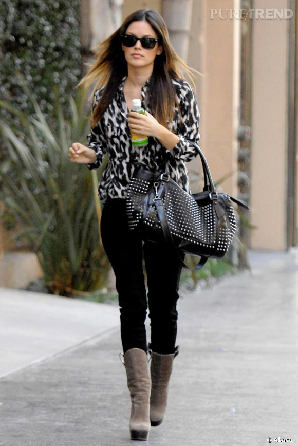 Rachel Bilson dans les rues de Los Angeles.