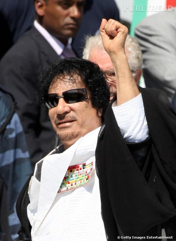Les dictateurs sont-ils tous mal coiffés ? Mouammar Kadhafi... Un nom qui rend à la fois le peuple et les cheveux électriques...