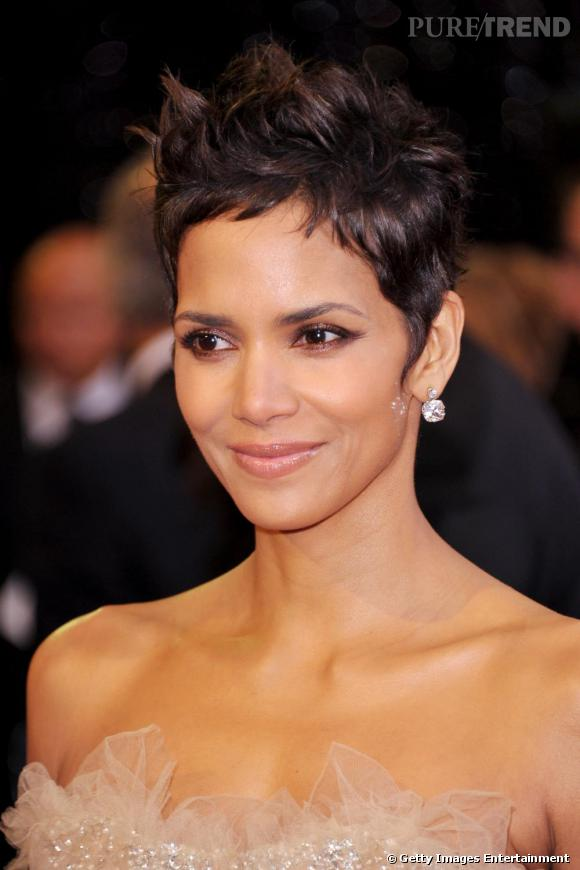Coupe courte halle berry gladys - Coupe courte halle berry ...