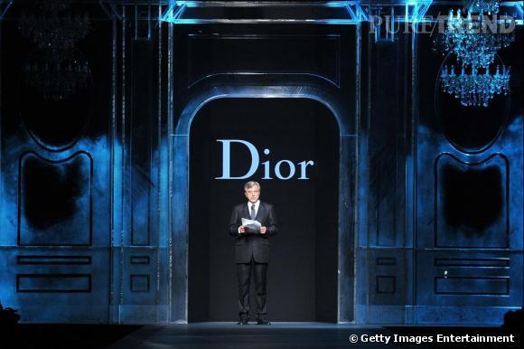 Défilé Christian Dior automne-hiver 2011/2012 : hommages aux équipes et aux petites mains