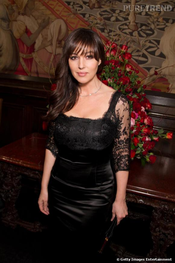 monica bellucci affolante dentelle. Black Bedroom Furniture Sets. Home Design Ideas