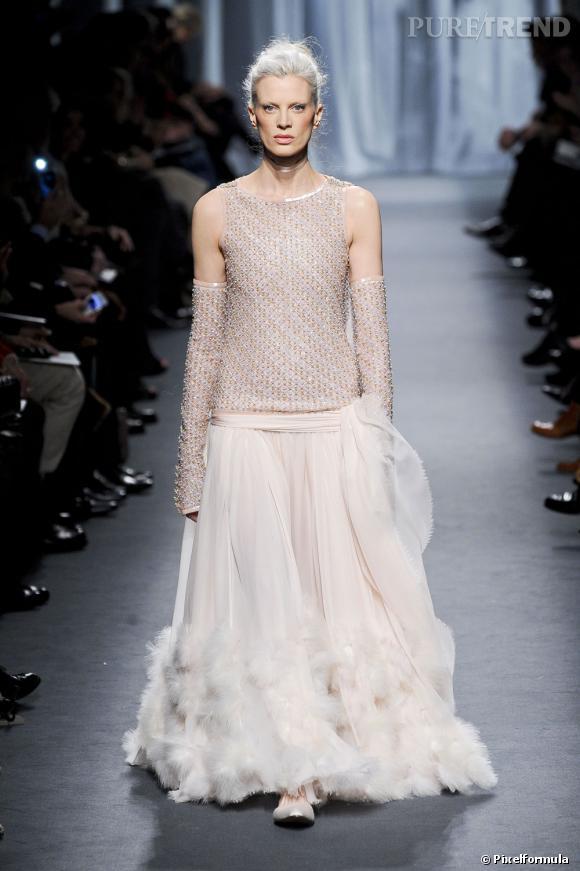 Lilly Allen a déjà demandé à Karl Lagerfeld de lui confectionner sa robe de  mariage. Trop nombreuses sur le mêm.