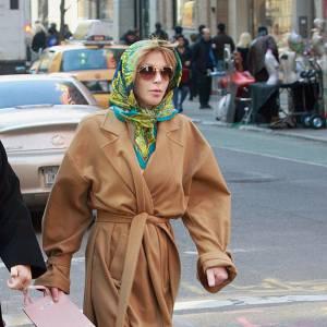 Non, les vamps ne sont pas de passage à New York. Il s'agit tout simplement de Courtney Love visiblement désireuse de passer inaperçue.