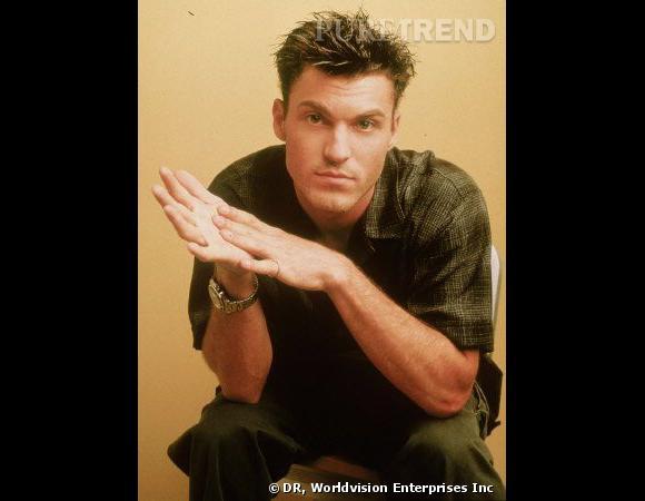 Comment on se coiffait dans les années 90 ?        Nom  : Brian Austin Green (David Silver dans  Beverly Hills )    Coiffure  : les cheveux en pic.