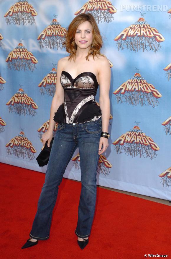 Grande vainqueur lors des MTV Movie Awards 2005 avec le prix du meilleur baiser et meilleure révélation féminine, elle laisse un peu le style de côté avec une tenue pas vraiment classe.