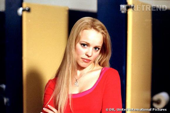 """Dans """"Lolita Malgré Moi"""", Rachel se la joue bimbo barbie reine des """"Plastics""""."""