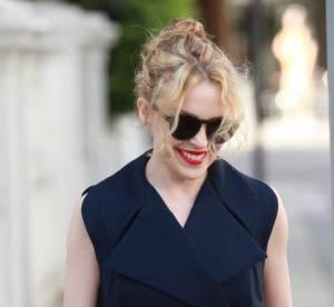 Kylie Minogue, la robe trench