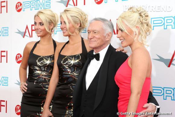 Hugh Hefner va avoir du mal à faire la différence entre toutes... On l'aide, sa future femme, c'est celle de droite sur la photo.