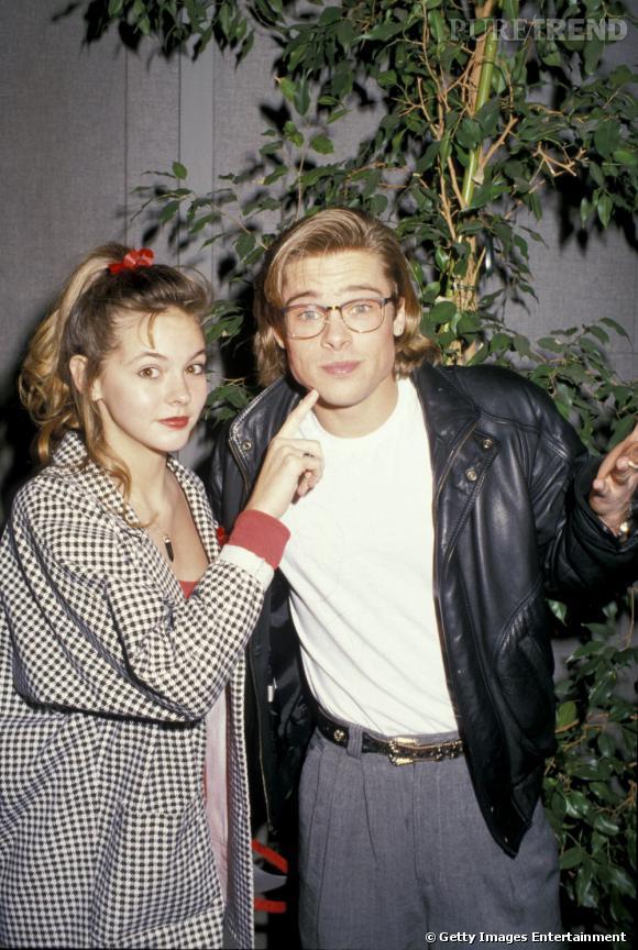 """1988 : Brad Pitt est un jeune premier. Côté dressing, c'est le """"négligé branché"""" qui prime. Sexy sans le vouloir, voilà notre Brad des 80's."""
