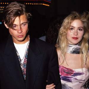 1989 : Brad forme avec Christina Applegate l'un des couples branchés d'Hollywood. Jeunes, beaux et célèbres, ils ont tout pour eux.