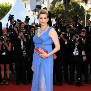 Cannes : les plus belles coiffures du mardi 17 mai   Nadja Auermann mise sur un chignon au volume XXL.