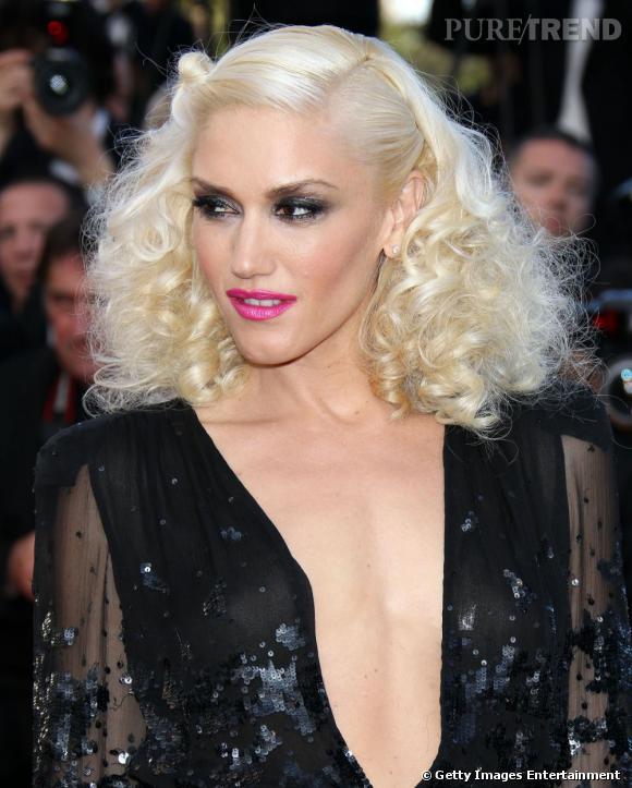 Le Flop Coiffure : Gwen Stefani semble avoir assassiné un caniche pour en faire une perruque. On n'est pas fan.