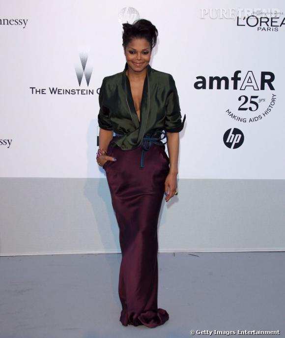 Le Flop armfAR :  Janet Jackson, trop austère.