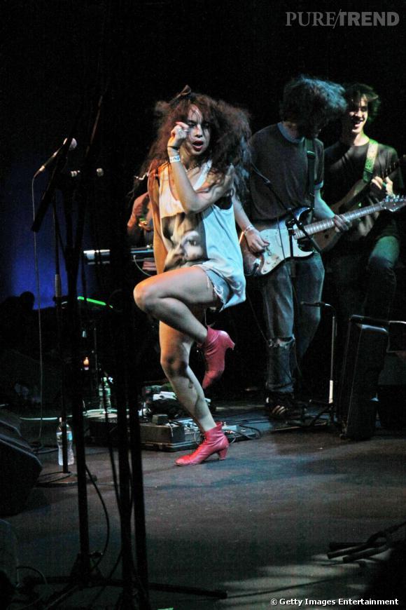 2009  :   Zoë sur scène, elle se déchaîne.