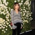 2011:     Grâce à Zoë, Chanel prend un coup de jeune et nous on adore voir les classiques revisités.