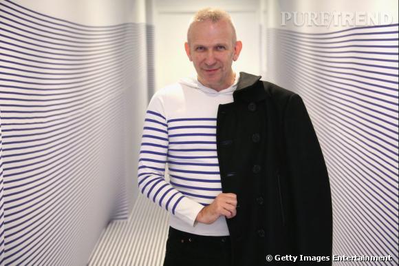 Les créateurs de mode sont-ils tous mal coiffés ?     Nom :  Jean Paul Gaultier      Coiffure :  la mini crête blonde.