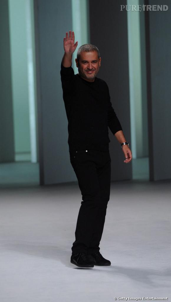 Les créateurs de mode sont-ils tous mal coiffés ?     Nom :  Elie Saab      Coiffure  : poivre et sel mais un court maitrisé.