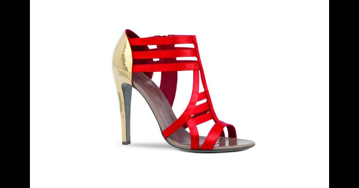 le must have de la semaine les sandales talons dor s sergio rossi sandales antiope en satin. Black Bedroom Furniture Sets. Home Design Ideas