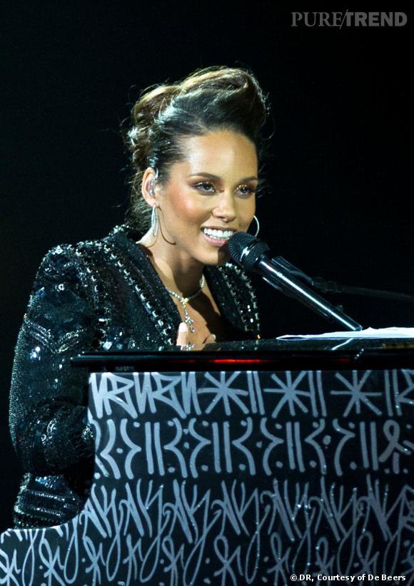 Alicia Keys en concert au Palais des Congrès de Paris.