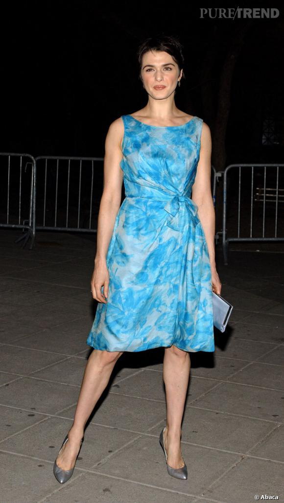 2005 : Un look de First Lady, Rachel Weisz n'est pas au top.