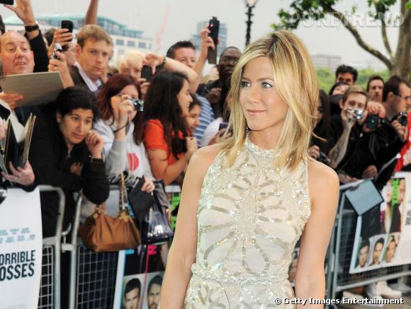 """Jennifer Aniston à l'avant-première du film """"Comment tuer son boss ?"""", à Londres."""
