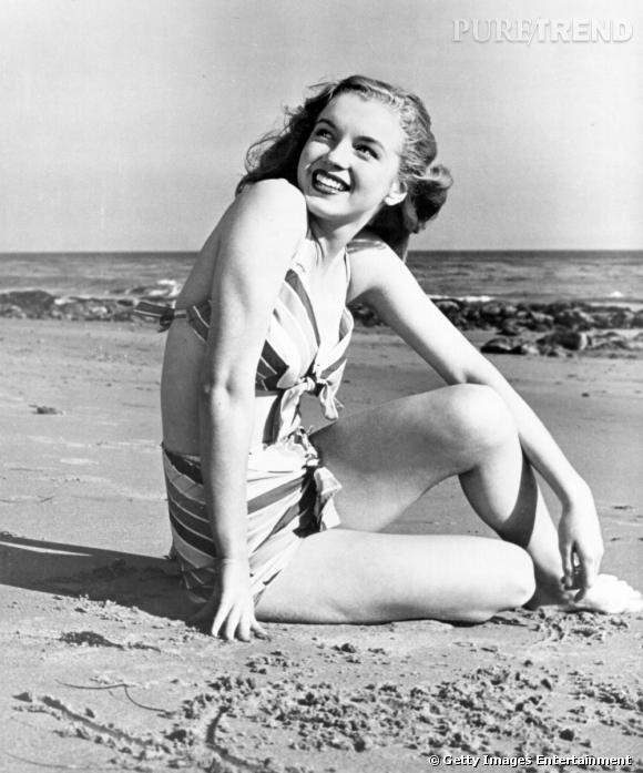 Marilyn Monroe, reine du glamour est l'icône même du maillot de bain rétro taille haute.