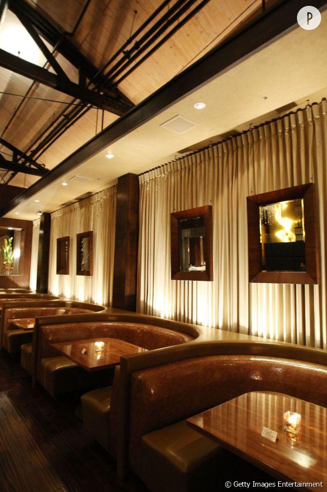 Int rieur chic et classique pour le restaurant d 39 eva for Interieur chic