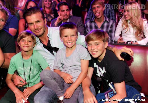 David Beckham est venu en famille assister à cette cérémonie où les adolescents sont à l'honneur.