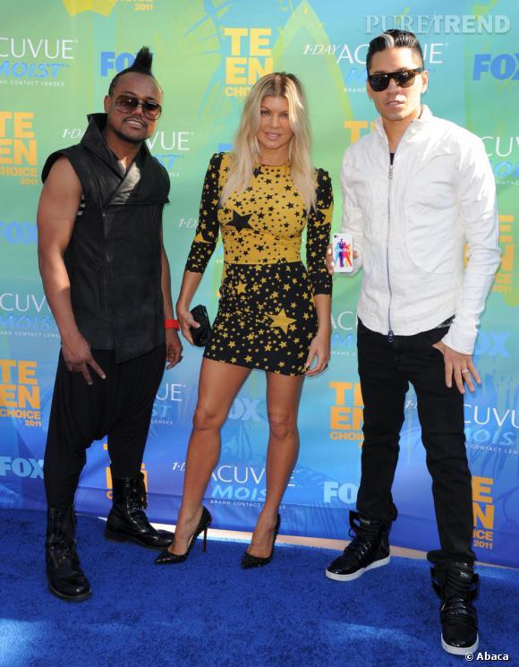 Nominés mais pas récompensés, les Black Eyed Peas prennent quand même la pose, bons joueurs.