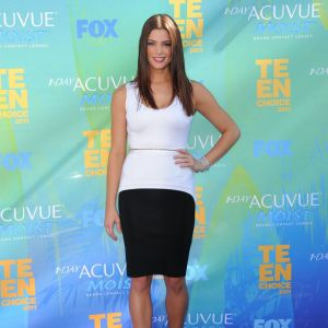Ashley Greene, de la saga Twilight, s'affiche en black & white Givenchy.