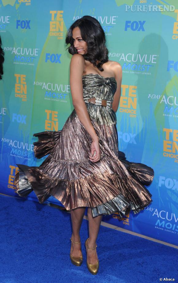 Zoe Saldana joue la carte du glamour avec une robe Lanvin et se transforme en princesse.