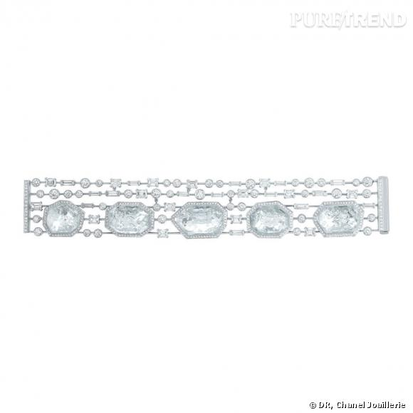 """Bracelet """" Pluie de Cristal """"  en or blanc, serti de 555 diamants taille rond, 30 diamants taille émeraude et cristaux de roche."""