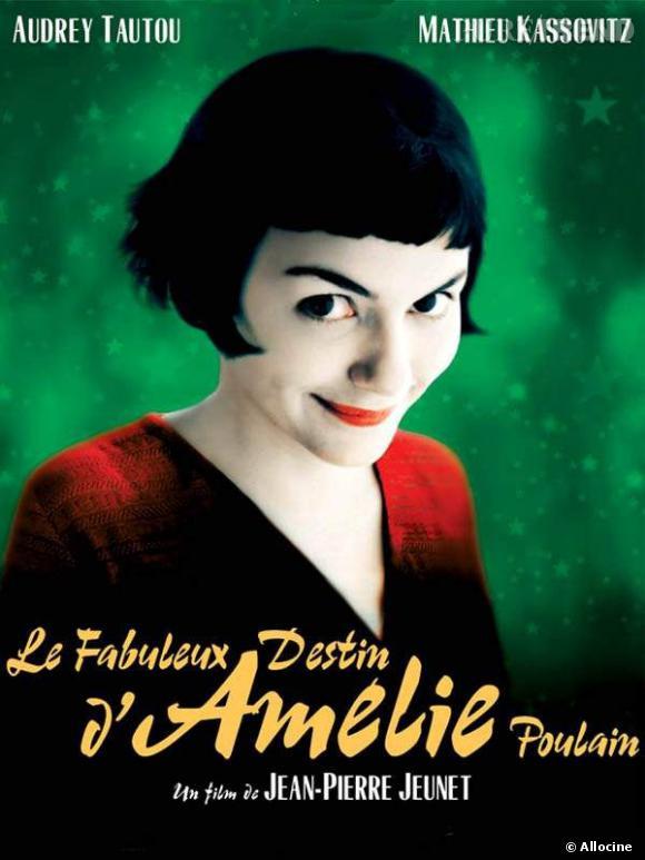 """""""Le Fabuleux Destin d'Amelie Poulain"""", film qui a propulsé la carrière d'Audrey Tautou. Frange trop courte, teint diaphane et look rétro, Amélie a désormais un style à part entière, désormais devenu culte."""